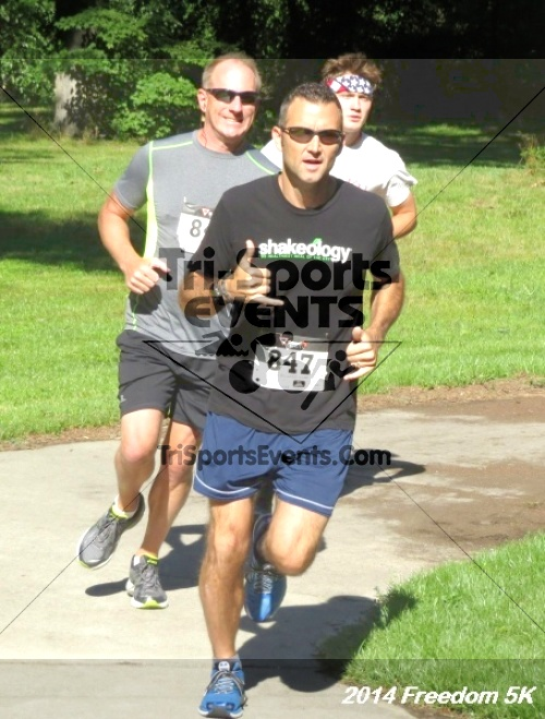 15th Freedom 5K Run/Walk<br><br><br><br><a href='http://www.trisportsevents.com/pics/14_Freedom_5K_077.JPG' download='14_Freedom_5K_077.JPG'>Click here to download.</a><Br><a href='http://www.facebook.com/sharer.php?u=http:%2F%2Fwww.trisportsevents.com%2Fpics%2F14_Freedom_5K_077.JPG&t=15th Freedom 5K Run/Walk' target='_blank'><img src='images/fb_share.png' width='100'></a>