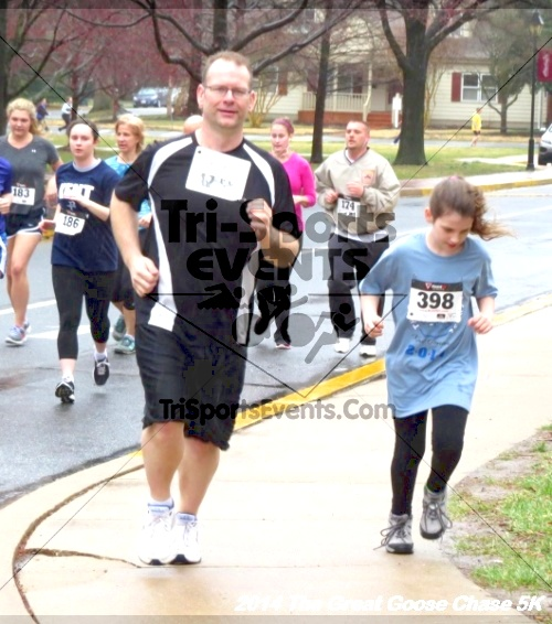 The Great Goose Chase 5K<br><br><br><br><a href='http://www.trisportsevents.com/pics/14_Goose_Chase_5K_047.JPG' download='14_Goose_Chase_5K_047.JPG'>Click here to download.</a><Br><a href='http://www.facebook.com/sharer.php?u=http:%2F%2Fwww.trisportsevents.com%2Fpics%2F14_Goose_Chase_5K_047.JPG&t=The Great Goose Chase 5K' target='_blank'><img src='images/fb_share.png' width='100'></a>