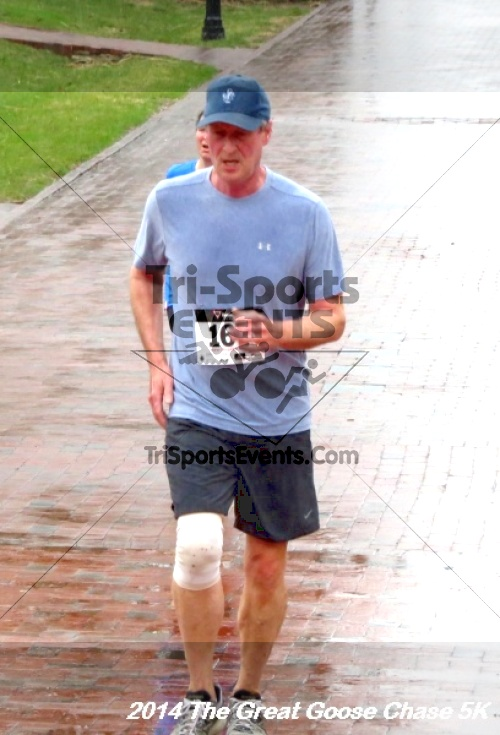 The Great Goose Chase 5K<br><br><br><br><a href='https://www.trisportsevents.com/pics/14_Goose_Chase_5K_121.JPG' download='14_Goose_Chase_5K_121.JPG'>Click here to download.</a><Br><a href='http://www.facebook.com/sharer.php?u=http:%2F%2Fwww.trisportsevents.com%2Fpics%2F14_Goose_Chase_5K_121.JPG&t=The Great Goose Chase 5K' target='_blank'><img src='images/fb_share.png' width='100'></a>