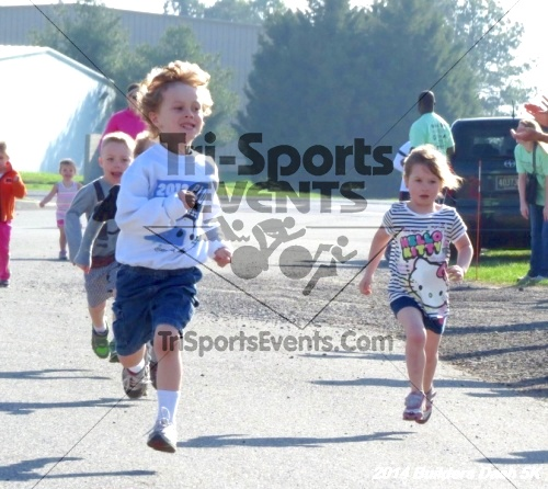 Builder's Dash 5K Run/Walk<br><br><br><br><a href='http://www.trisportsevents.com/pics/14_Habitat_5K_006.JPG' download='14_Habitat_5K_006.JPG'>Click here to download.</a><Br><a href='http://www.facebook.com/sharer.php?u=http:%2F%2Fwww.trisportsevents.com%2Fpics%2F14_Habitat_5K_006.JPG&t=Builder's Dash 5K Run/Walk' target='_blank'><img src='images/fb_share.png' width='100'></a>