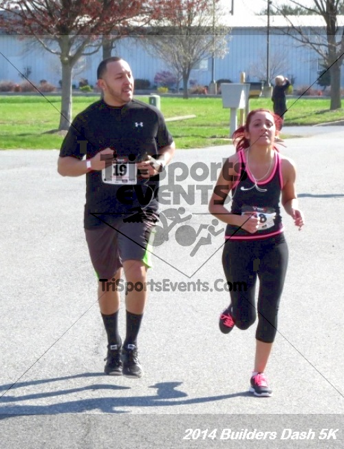 Builder's Dash 5K Run/Walk<br><br><br><br><a href='http://www.trisportsevents.com/pics/14_Habitat_5K_195.JPG' download='14_Habitat_5K_195.JPG'>Click here to download.</a><Br><a href='http://www.facebook.com/sharer.php?u=http:%2F%2Fwww.trisportsevents.com%2Fpics%2F14_Habitat_5K_195.JPG&t=Builder's Dash 5K Run/Walk' target='_blank'><img src='images/fb_share.png' width='100'></a>
