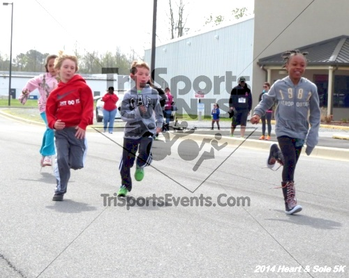 Heart & Sole 5K<br><br><br><br><a href='http://www.trisportsevents.com/pics/14_Heart_&_Sole_5K_011.JPG' download='14_Heart_&_Sole_5K_011.JPG'>Click here to download.</a><Br><a href='http://www.facebook.com/sharer.php?u=http:%2F%2Fwww.trisportsevents.com%2Fpics%2F14_Heart_&_Sole_5K_011.JPG&t=Heart & Sole 5K' target='_blank'><img src='images/fb_share.png' width='100'></a>
