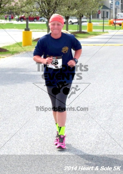 Heart & Sole 5K<br><br><br><br><a href='https://www.trisportsevents.com/pics/14_Heart_&_Sole_5K_052.JPG' download='14_Heart_&_Sole_5K_052.JPG'>Click here to download.</a><Br><a href='http://www.facebook.com/sharer.php?u=http:%2F%2Fwww.trisportsevents.com%2Fpics%2F14_Heart_&_Sole_5K_052.JPG&t=Heart & Sole 5K' target='_blank'><img src='images/fb_share.png' width='100'></a>