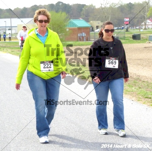 Heart & Sole 5K<br><br><br><br><a href='http://www.trisportsevents.com/pics/14_Heart_&_Sole_5K_087.JPG' download='14_Heart_&_Sole_5K_087.JPG'>Click here to download.</a><Br><a href='http://www.facebook.com/sharer.php?u=http:%2F%2Fwww.trisportsevents.com%2Fpics%2F14_Heart_&_Sole_5K_087.JPG&t=Heart & Sole 5K' target='_blank'><img src='images/fb_share.png' width='100'></a>