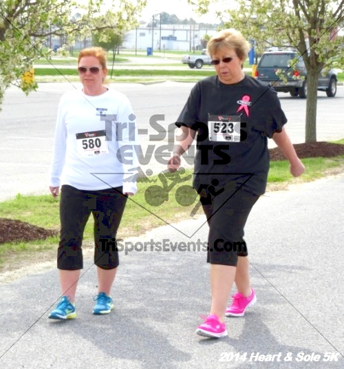 Heart & Sole 5K<br><br><br><br><a href='http://www.trisportsevents.com/pics/14_Heart_&_Sole_5K_094.JPG' download='14_Heart_&_Sole_5K_094.JPG'>Click here to download.</a><Br><a href='http://www.facebook.com/sharer.php?u=http:%2F%2Fwww.trisportsevents.com%2Fpics%2F14_Heart_&_Sole_5K_094.JPG&t=Heart & Sole 5K' target='_blank'><img src='images/fb_share.png' width='100'></a>