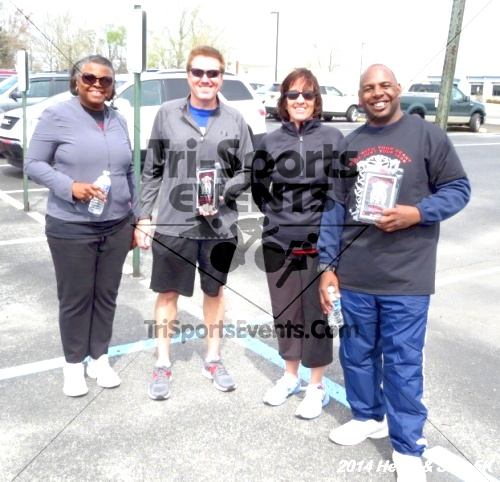Heart & Sole 5K<br><br><br><br><a href='http://www.trisportsevents.com/pics/14_Heart_&_Sole_5K_232.JPG' download='14_Heart_&_Sole_5K_232.JPG'>Click here to download.</a><Br><a href='http://www.facebook.com/sharer.php?u=http:%2F%2Fwww.trisportsevents.com%2Fpics%2F14_Heart_&_Sole_5K_232.JPG&t=Heart & Sole 5K' target='_blank'><img src='images/fb_share.png' width='100'></a>