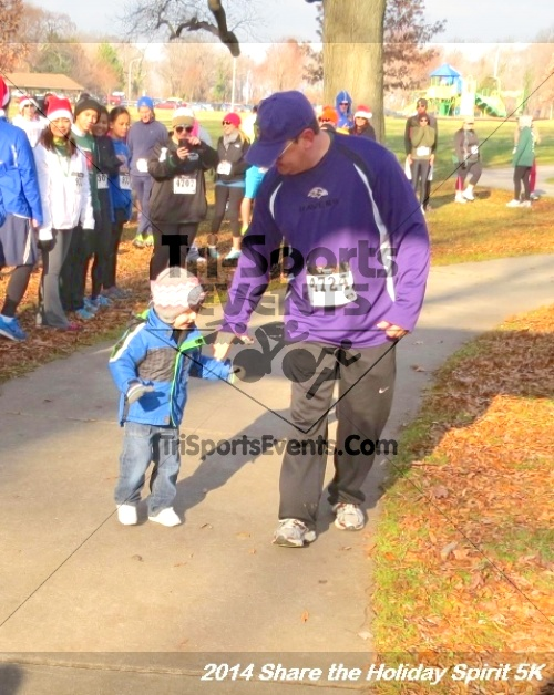 Share the Holiday Spirit 5K Run/Walk<br><br><br><br><a href='http://www.trisportsevents.com/pics/14_Holiday_Spirit_5K_006.JPG' download='14_Holiday_Spirit_5K_006.JPG'>Click here to download.</a><Br><a href='http://www.facebook.com/sharer.php?u=http:%2F%2Fwww.trisportsevents.com%2Fpics%2F14_Holiday_Spirit_5K_006.JPG&t=Share the Holiday Spirit 5K Run/Walk' target='_blank'><img src='images/fb_share.png' width='100'></a>