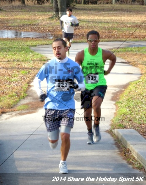 Share the Holiday Spirit 5K Run/Walk<br><br><br><br><a href='http://www.trisportsevents.com/pics/14_Holiday_Spirit_5K_012.JPG' download='14_Holiday_Spirit_5K_012.JPG'>Click here to download.</a><Br><a href='http://www.facebook.com/sharer.php?u=http:%2F%2Fwww.trisportsevents.com%2Fpics%2F14_Holiday_Spirit_5K_012.JPG&t=Share the Holiday Spirit 5K Run/Walk' target='_blank'><img src='images/fb_share.png' width='100'></a>