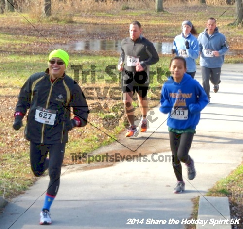 Share the Holiday Spirit 5K Run/Walk<br><br><br><br><a href='http://www.trisportsevents.com/pics/14_Holiday_Spirit_5K_022.JPG' download='14_Holiday_Spirit_5K_022.JPG'>Click here to download.</a><Br><a href='http://www.facebook.com/sharer.php?u=http:%2F%2Fwww.trisportsevents.com%2Fpics%2F14_Holiday_Spirit_5K_022.JPG&t=Share the Holiday Spirit 5K Run/Walk' target='_blank'><img src='images/fb_share.png' width='100'></a>