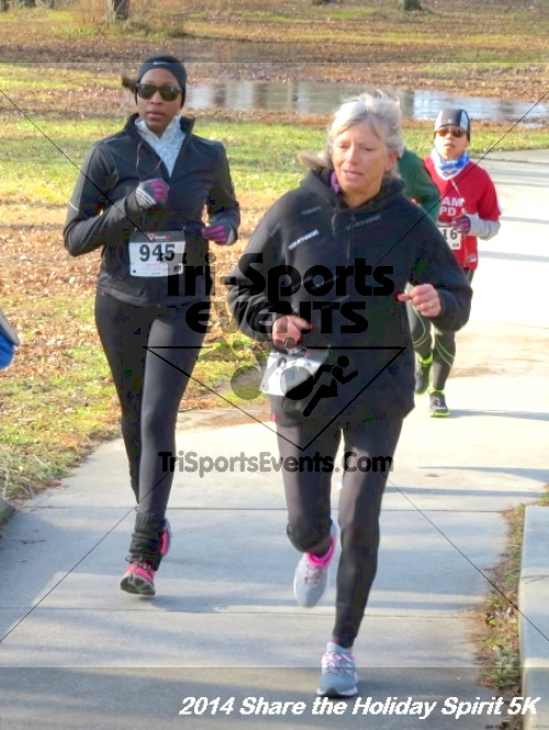 Share the Holiday Spirit 5K Run/Walk<br><br><br><br><a href='http://www.trisportsevents.com/pics/14_Holiday_Spirit_5K_032.JPG' download='14_Holiday_Spirit_5K_032.JPG'>Click here to download.</a><Br><a href='http://www.facebook.com/sharer.php?u=http:%2F%2Fwww.trisportsevents.com%2Fpics%2F14_Holiday_Spirit_5K_032.JPG&t=Share the Holiday Spirit 5K Run/Walk' target='_blank'><img src='images/fb_share.png' width='100'></a>