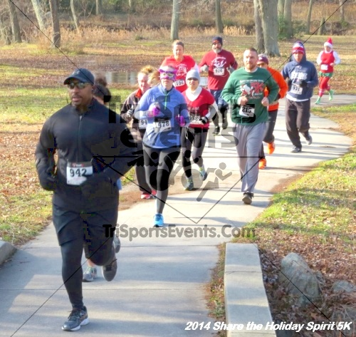 Share the Holiday Spirit 5K Run/Walk<br><br><br><br><a href='http://www.trisportsevents.com/pics/14_Holiday_Spirit_5K_035.JPG' download='14_Holiday_Spirit_5K_035.JPG'>Click here to download.</a><Br><a href='http://www.facebook.com/sharer.php?u=http:%2F%2Fwww.trisportsevents.com%2Fpics%2F14_Holiday_Spirit_5K_035.JPG&t=Share the Holiday Spirit 5K Run/Walk' target='_blank'><img src='images/fb_share.png' width='100'></a>