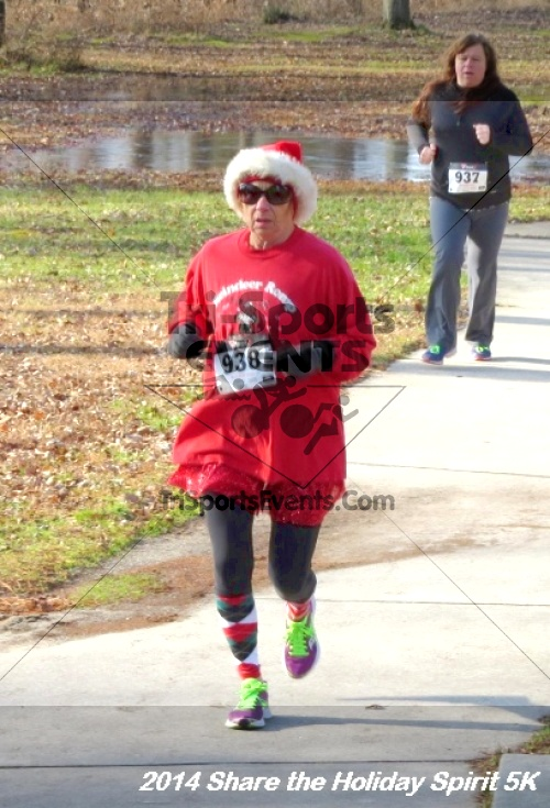 Share the Holiday Spirit 5K Run/Walk<br><br><br><br><a href='http://www.trisportsevents.com/pics/14_Holiday_Spirit_5K_040.JPG' download='14_Holiday_Spirit_5K_040.JPG'>Click here to download.</a><Br><a href='http://www.facebook.com/sharer.php?u=http:%2F%2Fwww.trisportsevents.com%2Fpics%2F14_Holiday_Spirit_5K_040.JPG&t=Share the Holiday Spirit 5K Run/Walk' target='_blank'><img src='images/fb_share.png' width='100'></a>