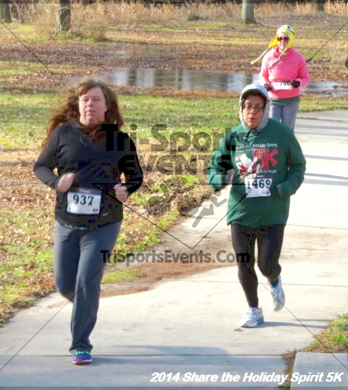 Share the Holiday Spirit 5K Run/Walk<br><br><br><br><a href='http://www.trisportsevents.com/pics/14_Holiday_Spirit_5K_041.JPG' download='14_Holiday_Spirit_5K_041.JPG'>Click here to download.</a><Br><a href='http://www.facebook.com/sharer.php?u=http:%2F%2Fwww.trisportsevents.com%2Fpics%2F14_Holiday_Spirit_5K_041.JPG&t=Share the Holiday Spirit 5K Run/Walk' target='_blank'><img src='images/fb_share.png' width='100'></a>