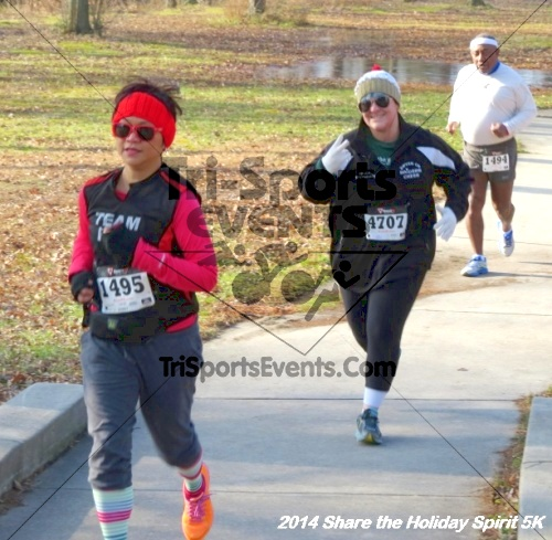 Share the Holiday Spirit 5K Run/Walk<br><br><br><br><a href='http://www.trisportsevents.com/pics/14_Holiday_Spirit_5K_044.JPG' download='14_Holiday_Spirit_5K_044.JPG'>Click here to download.</a><Br><a href='http://www.facebook.com/sharer.php?u=http:%2F%2Fwww.trisportsevents.com%2Fpics%2F14_Holiday_Spirit_5K_044.JPG&t=Share the Holiday Spirit 5K Run/Walk' target='_blank'><img src='images/fb_share.png' width='100'></a>