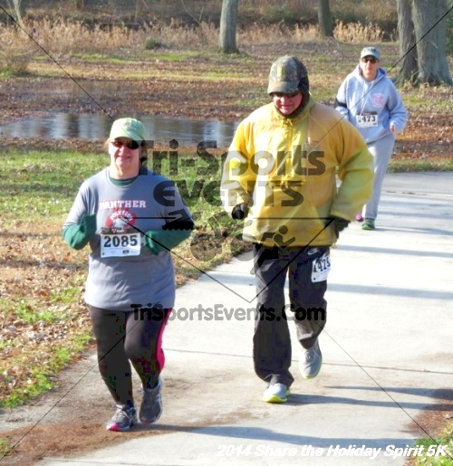 Share the Holiday Spirit 5K Run/Walk<br><br><br><br><a href='http://www.trisportsevents.com/pics/14_Holiday_Spirit_5K_049.JPG' download='14_Holiday_Spirit_5K_049.JPG'>Click here to download.</a><Br><a href='http://www.facebook.com/sharer.php?u=http:%2F%2Fwww.trisportsevents.com%2Fpics%2F14_Holiday_Spirit_5K_049.JPG&t=Share the Holiday Spirit 5K Run/Walk' target='_blank'><img src='images/fb_share.png' width='100'></a>