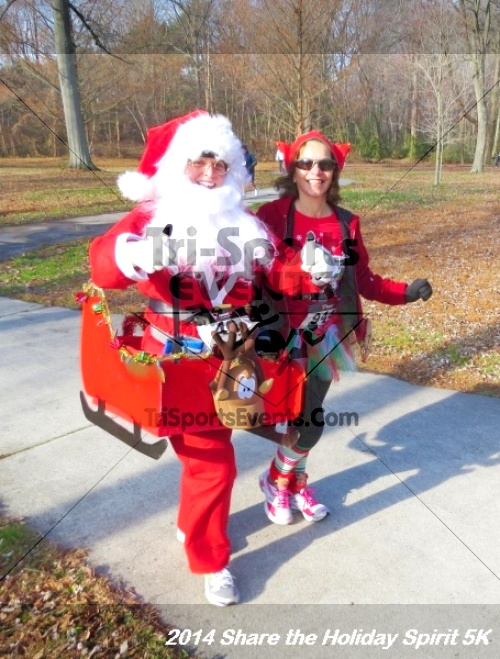 Share the Holiday Spirit 5K Run/Walk<br><br><br><br><a href='http://www.trisportsevents.com/pics/14_Holiday_Spirit_5K_058.JPG' download='14_Holiday_Spirit_5K_058.JPG'>Click here to download.</a><Br><a href='http://www.facebook.com/sharer.php?u=http:%2F%2Fwww.trisportsevents.com%2Fpics%2F14_Holiday_Spirit_5K_058.JPG&t=Share the Holiday Spirit 5K Run/Walk' target='_blank'><img src='images/fb_share.png' width='100'></a>