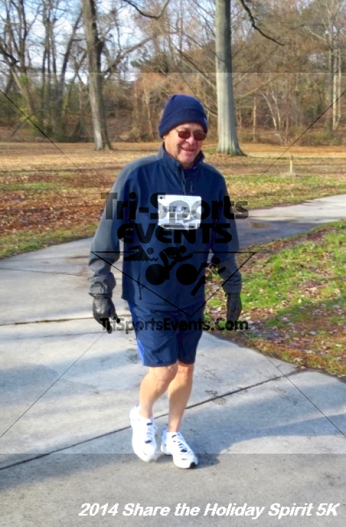 Share the Holiday Spirit 5K Run/Walk<br><br><br><br><a href='http://www.trisportsevents.com/pics/14_Holiday_Spirit_5K_061.JPG' download='14_Holiday_Spirit_5K_061.JPG'>Click here to download.</a><Br><a href='http://www.facebook.com/sharer.php?u=http:%2F%2Fwww.trisportsevents.com%2Fpics%2F14_Holiday_Spirit_5K_061.JPG&t=Share the Holiday Spirit 5K Run/Walk' target='_blank'><img src='images/fb_share.png' width='100'></a>