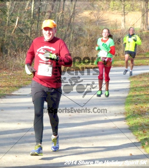 Share the Holiday Spirit 5K Run/Walk<br><br><br><br><a href='http://www.trisportsevents.com/pics/14_Holiday_Spirit_5K_091.JPG' download='14_Holiday_Spirit_5K_091.JPG'>Click here to download.</a><Br><a href='http://www.facebook.com/sharer.php?u=http:%2F%2Fwww.trisportsevents.com%2Fpics%2F14_Holiday_Spirit_5K_091.JPG&t=Share the Holiday Spirit 5K Run/Walk' target='_blank'><img src='images/fb_share.png' width='100'></a>