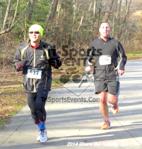 Share the Holiday Spirit 5K Run/Walk<br><br><br><br><a href='http://www.trisportsevents.com/pics/14_Holiday_Spirit_5K_095.JPG' download='14_Holiday_Spirit_5K_095.JPG'>Click here to download.</a><Br><a href='http://www.facebook.com/sharer.php?u=http:%2F%2Fwww.trisportsevents.com%2Fpics%2F14_Holiday_Spirit_5K_095.JPG&t=Share the Holiday Spirit 5K Run/Walk' target='_blank'><img src='images/fb_share.png' width='100'></a>