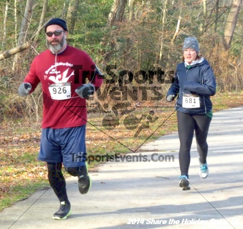 Share the Holiday Spirit 5K Run/Walk<br><br><br><br><a href='http://www.trisportsevents.com/pics/14_Holiday_Spirit_5K_115.JPG' download='14_Holiday_Spirit_5K_115.JPG'>Click here to download.</a><Br><a href='http://www.facebook.com/sharer.php?u=http:%2F%2Fwww.trisportsevents.com%2Fpics%2F14_Holiday_Spirit_5K_115.JPG&t=Share the Holiday Spirit 5K Run/Walk' target='_blank'><img src='images/fb_share.png' width='100'></a>