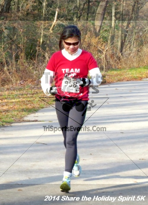 Share the Holiday Spirit 5K Run/Walk<br><br><br><br><a href='http://www.trisportsevents.com/pics/14_Holiday_Spirit_5K_117.JPG' download='14_Holiday_Spirit_5K_117.JPG'>Click here to download.</a><Br><a href='http://www.facebook.com/sharer.php?u=http:%2F%2Fwww.trisportsevents.com%2Fpics%2F14_Holiday_Spirit_5K_117.JPG&t=Share the Holiday Spirit 5K Run/Walk' target='_blank'><img src='images/fb_share.png' width='100'></a>