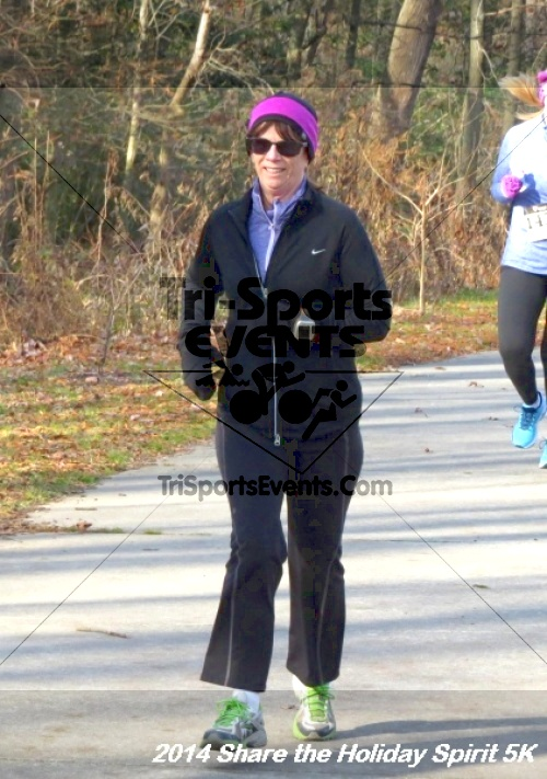 Share the Holiday Spirit 5K Run/Walk<br><br><br><br><a href='http://www.trisportsevents.com/pics/14_Holiday_Spirit_5K_121.JPG' download='14_Holiday_Spirit_5K_121.JPG'>Click here to download.</a><Br><a href='http://www.facebook.com/sharer.php?u=http:%2F%2Fwww.trisportsevents.com%2Fpics%2F14_Holiday_Spirit_5K_121.JPG&t=Share the Holiday Spirit 5K Run/Walk' target='_blank'><img src='images/fb_share.png' width='100'></a>