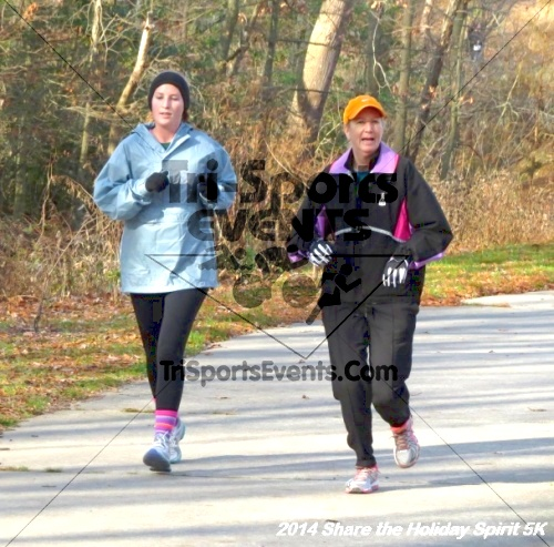 Share the Holiday Spirit 5K Run/Walk<br><br><br><br><a href='http://www.trisportsevents.com/pics/14_Holiday_Spirit_5K_131.JPG' download='14_Holiday_Spirit_5K_131.JPG'>Click here to download.</a><Br><a href='http://www.facebook.com/sharer.php?u=http:%2F%2Fwww.trisportsevents.com%2Fpics%2F14_Holiday_Spirit_5K_131.JPG&t=Share the Holiday Spirit 5K Run/Walk' target='_blank'><img src='images/fb_share.png' width='100'></a>