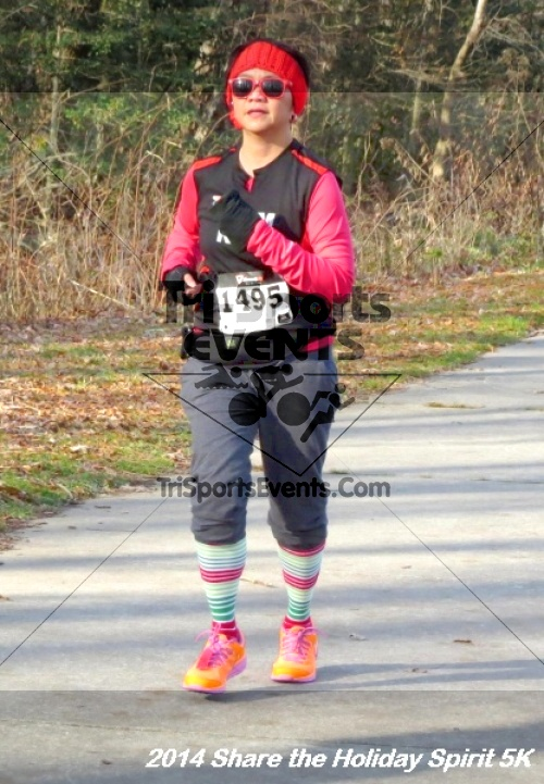 Share the Holiday Spirit 5K Run/Walk<br><br><br><br><a href='http://www.trisportsevents.com/pics/14_Holiday_Spirit_5K_136.JPG' download='14_Holiday_Spirit_5K_136.JPG'>Click here to download.</a><Br><a href='http://www.facebook.com/sharer.php?u=http:%2F%2Fwww.trisportsevents.com%2Fpics%2F14_Holiday_Spirit_5K_136.JPG&t=Share the Holiday Spirit 5K Run/Walk' target='_blank'><img src='images/fb_share.png' width='100'></a>