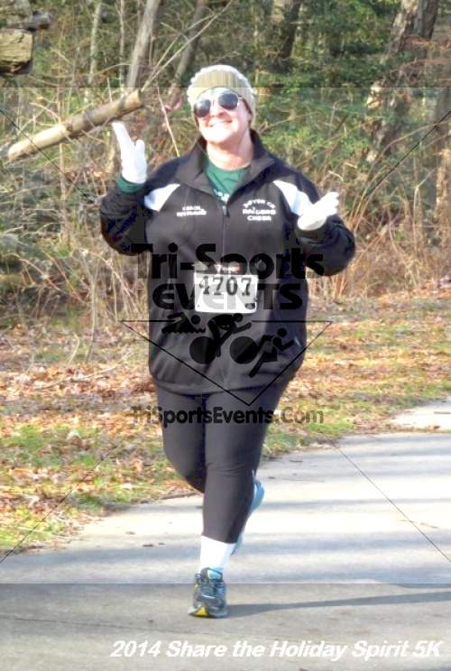 Share the Holiday Spirit 5K Run/Walk<br><br><br><br><a href='http://www.trisportsevents.com/pics/14_Holiday_Spirit_5K_137.JPG' download='14_Holiday_Spirit_5K_137.JPG'>Click here to download.</a><Br><a href='http://www.facebook.com/sharer.php?u=http:%2F%2Fwww.trisportsevents.com%2Fpics%2F14_Holiday_Spirit_5K_137.JPG&t=Share the Holiday Spirit 5K Run/Walk' target='_blank'><img src='images/fb_share.png' width='100'></a>