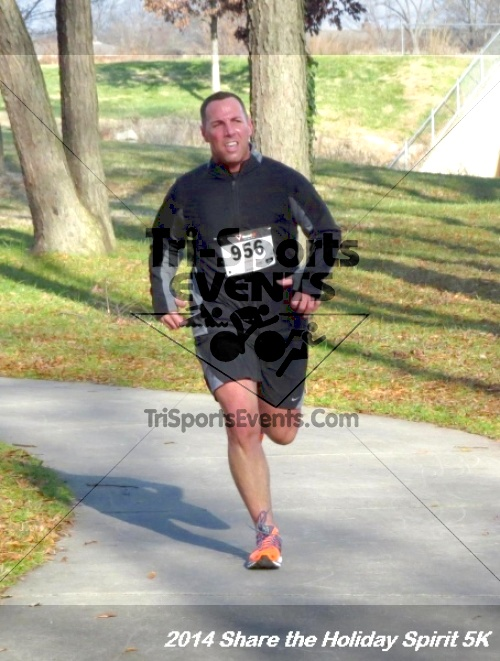 Share the Holiday Spirit 5K Run/Walk<br><br><br><br><a href='http://www.trisportsevents.com/pics/14_Holiday_Spirit_5K_156.JPG' download='14_Holiday_Spirit_5K_156.JPG'>Click here to download.</a><Br><a href='http://www.facebook.com/sharer.php?u=http:%2F%2Fwww.trisportsevents.com%2Fpics%2F14_Holiday_Spirit_5K_156.JPG&t=Share the Holiday Spirit 5K Run/Walk' target='_blank'><img src='images/fb_share.png' width='100'></a>