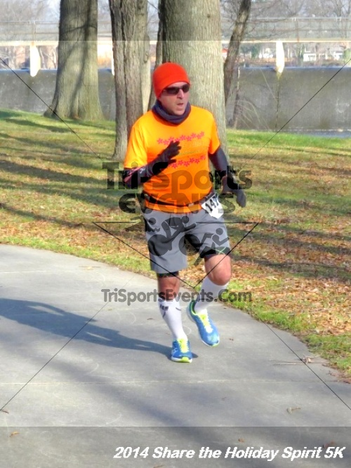 Share the Holiday Spirit 5K Run/Walk<br><br><br><br><a href='http://www.trisportsevents.com/pics/14_Holiday_Spirit_5K_164.JPG' download='14_Holiday_Spirit_5K_164.JPG'>Click here to download.</a><Br><a href='http://www.facebook.com/sharer.php?u=http:%2F%2Fwww.trisportsevents.com%2Fpics%2F14_Holiday_Spirit_5K_164.JPG&t=Share the Holiday Spirit 5K Run/Walk' target='_blank'><img src='images/fb_share.png' width='100'></a>