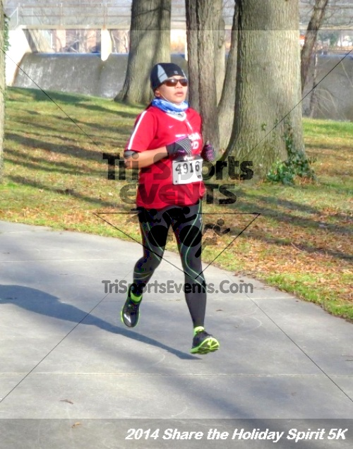 Share the Holiday Spirit 5K Run/Walk<br><br><br><br><a href='http://www.trisportsevents.com/pics/14_Holiday_Spirit_5K_165.JPG' download='14_Holiday_Spirit_5K_165.JPG'>Click here to download.</a><Br><a href='http://www.facebook.com/sharer.php?u=http:%2F%2Fwww.trisportsevents.com%2Fpics%2F14_Holiday_Spirit_5K_165.JPG&t=Share the Holiday Spirit 5K Run/Walk' target='_blank'><img src='images/fb_share.png' width='100'></a>
