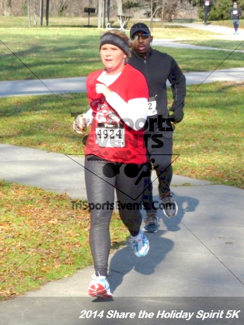 Share the Holiday Spirit 5K Run/Walk<br><br><br><br><a href='http://www.trisportsevents.com/pics/14_Holiday_Spirit_5K_172.JPG' download='14_Holiday_Spirit_5K_172.JPG'>Click here to download.</a><Br><a href='http://www.facebook.com/sharer.php?u=http:%2F%2Fwww.trisportsevents.com%2Fpics%2F14_Holiday_Spirit_5K_172.JPG&t=Share the Holiday Spirit 5K Run/Walk' target='_blank'><img src='images/fb_share.png' width='100'></a>
