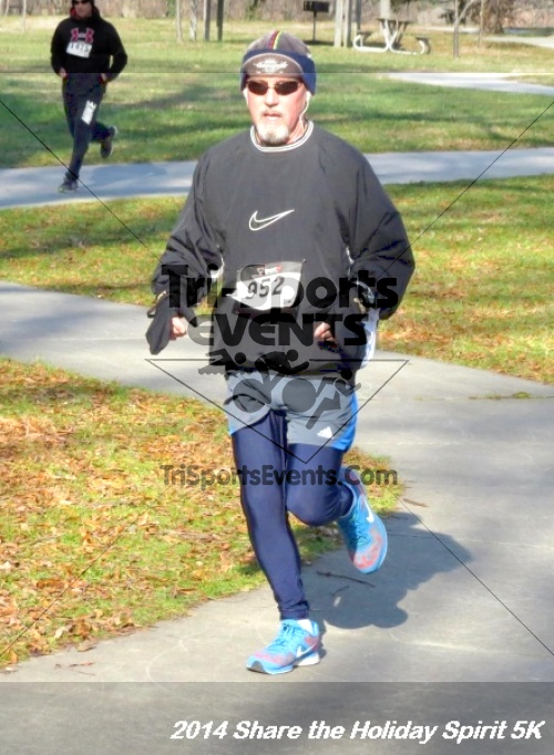 Share the Holiday Spirit 5K Run/Walk<br><br><br><br><a href='http://www.trisportsevents.com/pics/14_Holiday_Spirit_5K_176.JPG' download='14_Holiday_Spirit_5K_176.JPG'>Click here to download.</a><Br><a href='http://www.facebook.com/sharer.php?u=http:%2F%2Fwww.trisportsevents.com%2Fpics%2F14_Holiday_Spirit_5K_176.JPG&t=Share the Holiday Spirit 5K Run/Walk' target='_blank'><img src='images/fb_share.png' width='100'></a>