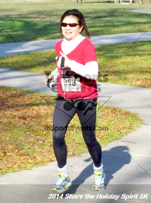 Share the Holiday Spirit 5K Run/Walk<br><br><br><br><a href='http://www.trisportsevents.com/pics/14_Holiday_Spirit_5K_182.JPG' download='14_Holiday_Spirit_5K_182.JPG'>Click here to download.</a><Br><a href='http://www.facebook.com/sharer.php?u=http:%2F%2Fwww.trisportsevents.com%2Fpics%2F14_Holiday_Spirit_5K_182.JPG&t=Share the Holiday Spirit 5K Run/Walk' target='_blank'><img src='images/fb_share.png' width='100'></a>