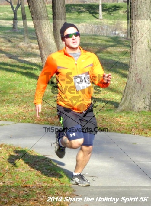 Share the Holiday Spirit 5K Run/Walk<br><br><br><br><a href='http://www.trisportsevents.com/pics/14_Holiday_Spirit_5K_187.JPG' download='14_Holiday_Spirit_5K_187.JPG'>Click here to download.</a><Br><a href='http://www.facebook.com/sharer.php?u=http:%2F%2Fwww.trisportsevents.com%2Fpics%2F14_Holiday_Spirit_5K_187.JPG&t=Share the Holiday Spirit 5K Run/Walk' target='_blank'><img src='images/fb_share.png' width='100'></a>
