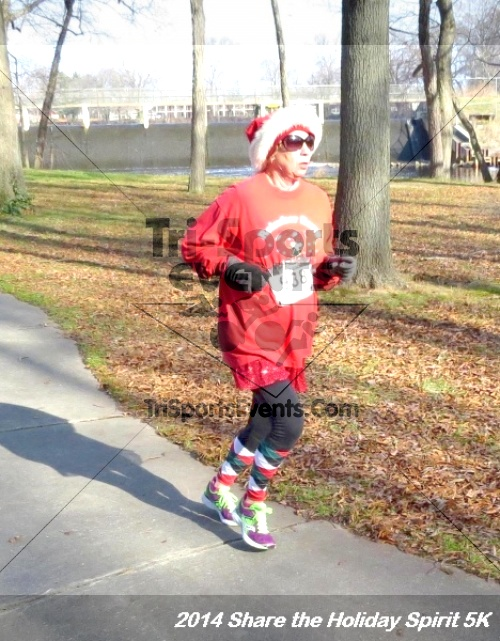 Share the Holiday Spirit 5K Run/Walk<br><br><br><br><a href='http://www.trisportsevents.com/pics/14_Holiday_Spirit_5K_190.JPG' download='14_Holiday_Spirit_5K_190.JPG'>Click here to download.</a><Br><a href='http://www.facebook.com/sharer.php?u=http:%2F%2Fwww.trisportsevents.com%2Fpics%2F14_Holiday_Spirit_5K_190.JPG&t=Share the Holiday Spirit 5K Run/Walk' target='_blank'><img src='images/fb_share.png' width='100'></a>