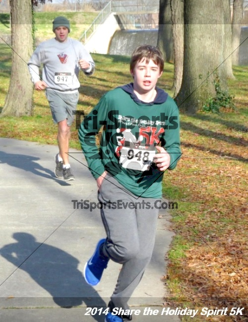 Share the Holiday Spirit 5K Run/Walk<br><br><br><br><a href='http://www.trisportsevents.com/pics/14_Holiday_Spirit_5K_196.JPG' download='14_Holiday_Spirit_5K_196.JPG'>Click here to download.</a><Br><a href='http://www.facebook.com/sharer.php?u=http:%2F%2Fwww.trisportsevents.com%2Fpics%2F14_Holiday_Spirit_5K_196.JPG&t=Share the Holiday Spirit 5K Run/Walk' target='_blank'><img src='images/fb_share.png' width='100'></a>