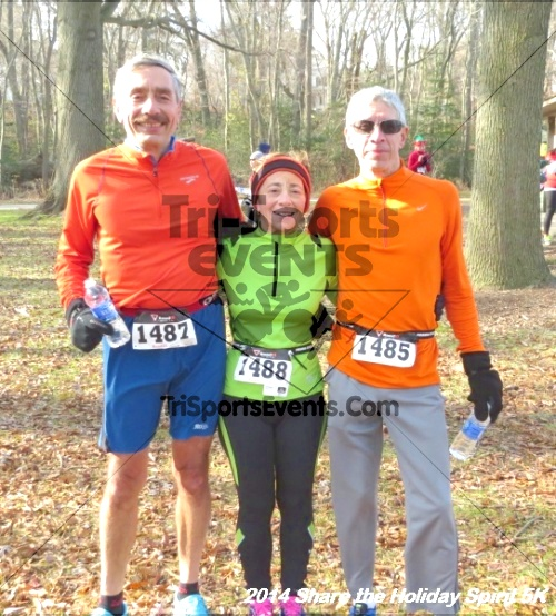 Share the Holiday Spirit 5K Run/Walk<br><br><br><br><a href='http://www.trisportsevents.com/pics/14_Holiday_Spirit_5K_198.JPG' download='14_Holiday_Spirit_5K_198.JPG'>Click here to download.</a><Br><a href='http://www.facebook.com/sharer.php?u=http:%2F%2Fwww.trisportsevents.com%2Fpics%2F14_Holiday_Spirit_5K_198.JPG&t=Share the Holiday Spirit 5K Run/Walk' target='_blank'><img src='images/fb_share.png' width='100'></a>