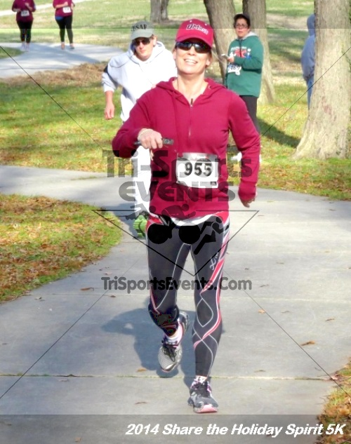 Share the Holiday Spirit 5K Run/Walk<br><br><br><br><a href='http://www.trisportsevents.com/pics/14_Holiday_Spirit_5K_210.JPG' download='14_Holiday_Spirit_5K_210.JPG'>Click here to download.</a><Br><a href='http://www.facebook.com/sharer.php?u=http:%2F%2Fwww.trisportsevents.com%2Fpics%2F14_Holiday_Spirit_5K_210.JPG&t=Share the Holiday Spirit 5K Run/Walk' target='_blank'><img src='images/fb_share.png' width='100'></a>