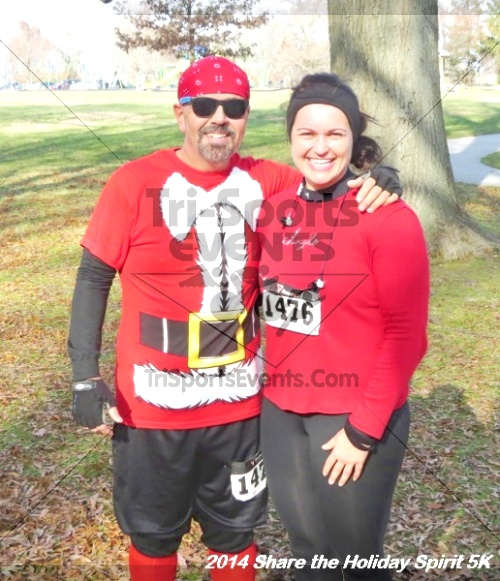Share the Holiday Spirit 5K Run/Walk<br><br><br><br><a href='http://www.trisportsevents.com/pics/14_Holiday_Spirit_5K_215.JPG' download='14_Holiday_Spirit_5K_215.JPG'>Click here to download.</a><Br><a href='http://www.facebook.com/sharer.php?u=http:%2F%2Fwww.trisportsevents.com%2Fpics%2F14_Holiday_Spirit_5K_215.JPG&t=Share the Holiday Spirit 5K Run/Walk' target='_blank'><img src='images/fb_share.png' width='100'></a>
