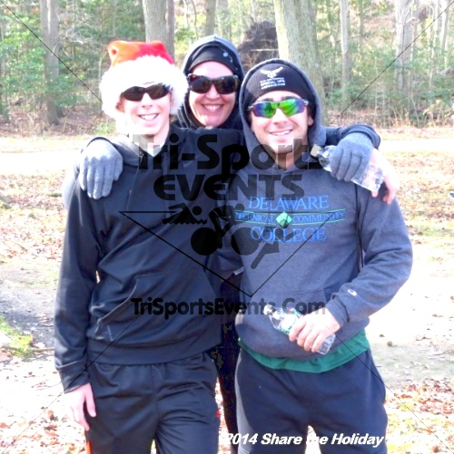 Share the Holiday Spirit 5K Run/Walk<br><br><br><br><a href='http://www.trisportsevents.com/pics/14_Holiday_Spirit_5K_217.JPG' download='14_Holiday_Spirit_5K_217.JPG'>Click here to download.</a><Br><a href='http://www.facebook.com/sharer.php?u=http:%2F%2Fwww.trisportsevents.com%2Fpics%2F14_Holiday_Spirit_5K_217.JPG&t=Share the Holiday Spirit 5K Run/Walk' target='_blank'><img src='images/fb_share.png' width='100'></a>