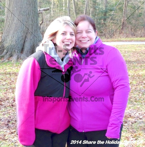 Share the Holiday Spirit 5K Run/Walk<br><br><br><br><a href='http://www.trisportsevents.com/pics/14_Holiday_Spirit_5K_229.JPG' download='14_Holiday_Spirit_5K_229.JPG'>Click here to download.</a><Br><a href='http://www.facebook.com/sharer.php?u=http:%2F%2Fwww.trisportsevents.com%2Fpics%2F14_Holiday_Spirit_5K_229.JPG&t=Share the Holiday Spirit 5K Run/Walk' target='_blank'><img src='images/fb_share.png' width='100'></a>