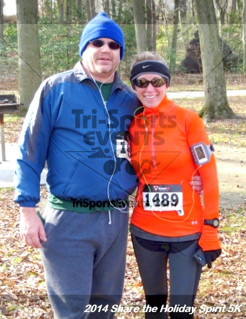 Share the Holiday Spirit 5K Run/Walk<br><br><br><br><a href='http://www.trisportsevents.com/pics/14_Holiday_Spirit_5K_232.JPG' download='14_Holiday_Spirit_5K_232.JPG'>Click here to download.</a><Br><a href='http://www.facebook.com/sharer.php?u=http:%2F%2Fwww.trisportsevents.com%2Fpics%2F14_Holiday_Spirit_5K_232.JPG&t=Share the Holiday Spirit 5K Run/Walk' target='_blank'><img src='images/fb_share.png' width='100'></a>