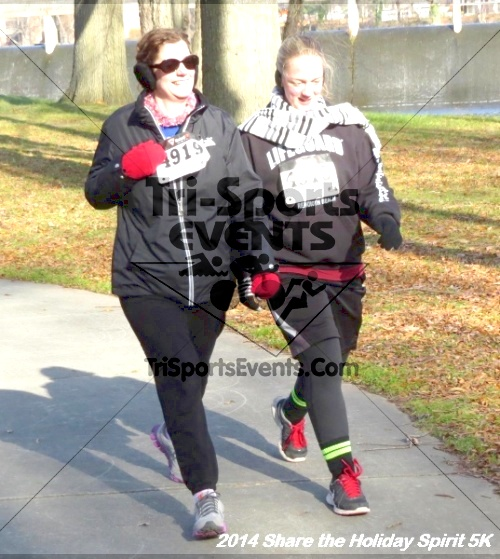 Share the Holiday Spirit 5K Run/Walk<br><br><br><br><a href='http://www.trisportsevents.com/pics/14_Holiday_Spirit_5K_235.JPG' download='14_Holiday_Spirit_5K_235.JPG'>Click here to download.</a><Br><a href='http://www.facebook.com/sharer.php?u=http:%2F%2Fwww.trisportsevents.com%2Fpics%2F14_Holiday_Spirit_5K_235.JPG&t=Share the Holiday Spirit 5K Run/Walk' target='_blank'><img src='images/fb_share.png' width='100'></a>