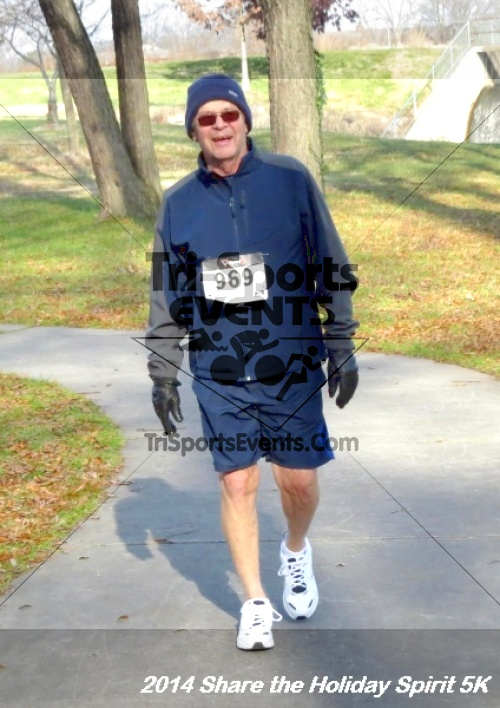 Share the Holiday Spirit 5K Run/Walk<br><br><br><br><a href='http://www.trisportsevents.com/pics/14_Holiday_Spirit_5K_237.JPG' download='14_Holiday_Spirit_5K_237.JPG'>Click here to download.</a><Br><a href='http://www.facebook.com/sharer.php?u=http:%2F%2Fwww.trisportsevents.com%2Fpics%2F14_Holiday_Spirit_5K_237.JPG&t=Share the Holiday Spirit 5K Run/Walk' target='_blank'><img src='images/fb_share.png' width='100'></a>