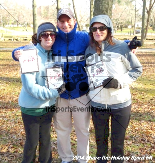 Share the Holiday Spirit 5K Run/Walk<br><br><br><br><a href='http://www.trisportsevents.com/pics/14_Holiday_Spirit_5K_249.JPG' download='14_Holiday_Spirit_5K_249.JPG'>Click here to download.</a><Br><a href='http://www.facebook.com/sharer.php?u=http:%2F%2Fwww.trisportsevents.com%2Fpics%2F14_Holiday_Spirit_5K_249.JPG&t=Share the Holiday Spirit 5K Run/Walk' target='_blank'><img src='images/fb_share.png' width='100'></a>