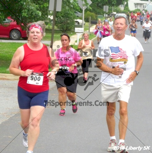 Liberty 5K Run/Walk<br><br><br><br><a href='https://www.trisportsevents.com/pics/14_Liberty_5K_069.JPG' download='14_Liberty_5K_069.JPG'>Click here to download.</a><Br><a href='http://www.facebook.com/sharer.php?u=http:%2F%2Fwww.trisportsevents.com%2Fpics%2F14_Liberty_5K_069.JPG&t=Liberty 5K Run/Walk' target='_blank'><img src='images/fb_share.png' width='100'></a>