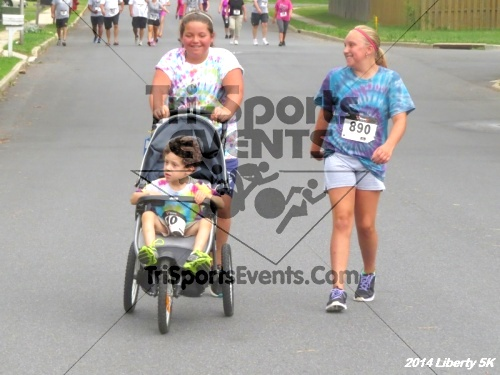 Liberty 5K Run/Walk<br><br><br><br><a href='https://www.trisportsevents.com/pics/14_Liberty_5K_097.JPG' download='14_Liberty_5K_097.JPG'>Click here to download.</a><Br><a href='http://www.facebook.com/sharer.php?u=http:%2F%2Fwww.trisportsevents.com%2Fpics%2F14_Liberty_5K_097.JPG&t=Liberty 5K Run/Walk' target='_blank'><img src='images/fb_share.png' width='100'></a>
