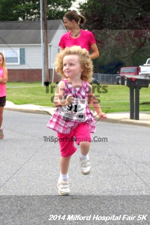 2014 Milford Hospital Fair 5K<br><br><br><br><a href='https://www.trisportsevents.com/pics/14_Milford_Hospital_Fair_5K_011.JPG' download='14_Milford_Hospital_Fair_5K_011.JPG'>Click here to download.</a><Br><a href='http://www.facebook.com/sharer.php?u=http:%2F%2Fwww.trisportsevents.com%2Fpics%2F14_Milford_Hospital_Fair_5K_011.JPG&t=2014 Milford Hospital Fair 5K' target='_blank'><img src='images/fb_share.png' width='100'></a>